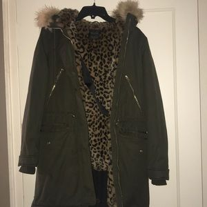 Zara Olive green with leopard print parka
